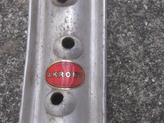 アクロン18インチリム 40穴
